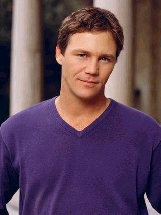 Brian krause dating holly marie combs 9