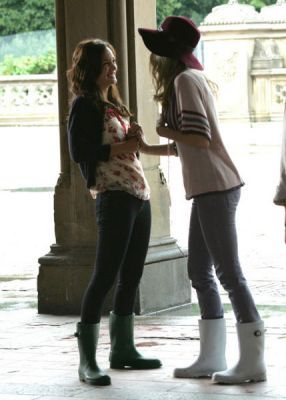 Serena: Blair! Blair: anda can't even help it. It's who anda are. From which episode?