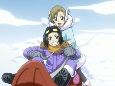 True または False: Karin and Yuzu are twins