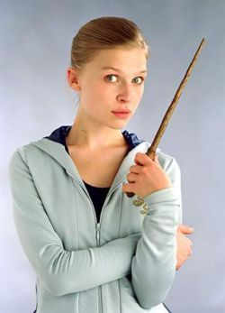 What charm does Fleur Delacour preform in the seconde task?