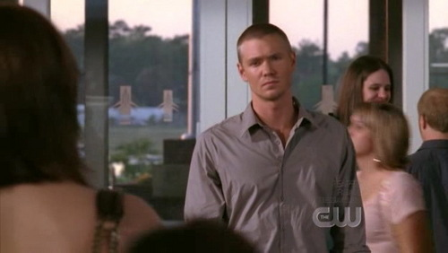 Lucas: te told me not to come to the airport. Why? Brooke: I don't like te to see me like this.. vulnerable. Lucas replied ?