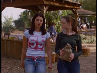 What is the name of the food stand Lorelai and Rory stop at on their roadtrip?