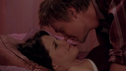 Brucas's kiss : Which episode is it ?