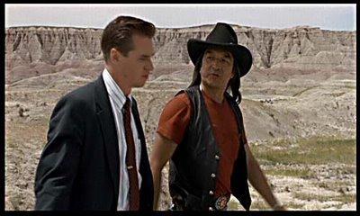 WESTERN 电影院 : Starring Val Kilmer, Sam Shepard, Graham Greene. Directed 由 Michael Apted ?