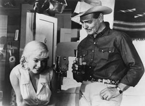 WESTERN sinema : Starring Clark Gable, Marilyn Monroe, Montgomery Clift, Thelma Ritter, Eli Wallach, Kevin McCarthy ?