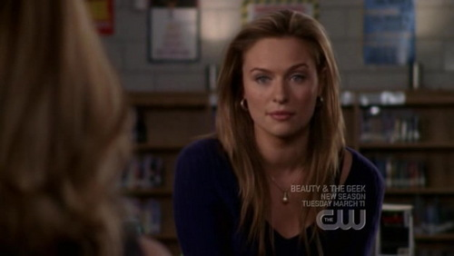 Lindsey: My name isPeyton, fake blonde Peyton, I don't have a boyfriend, because I'm a _____