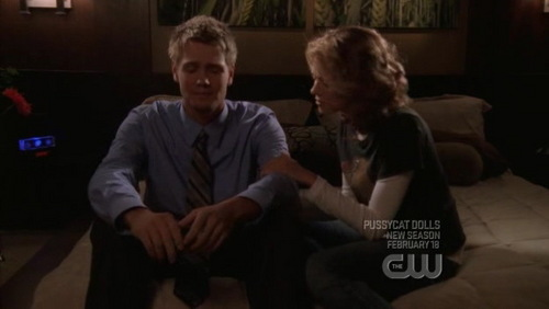 Peyton: Okay. Can we take this back? Can we just pretend like you never woke up, please? Lucas: I don't think ____.