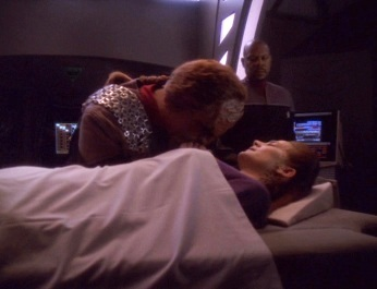 REST IN PEACE: Who killed Jadzia while she was praying to the Prophets?