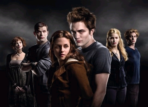 "Why does Alice&Jasper leave the family in ""Breaking Dawn""?"