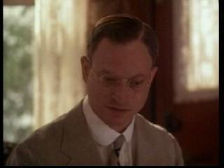 ACTORS WHO PLAYED REAL PRESIDENT : Gary Sinise played ?