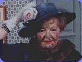 In the episode The Short Happy Circuit of Aunt clara,What happens when Aunt Clara bocthes a spell?