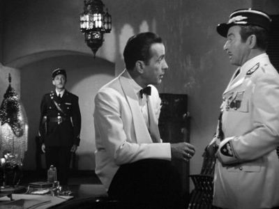 How much does Rick bet Renault that Laszlo will escape from Casablanca?
