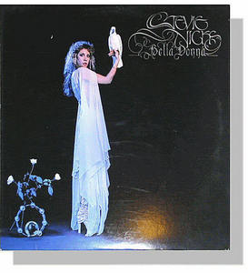 What Jahr did Stevie Nicks release her first solo album, Bella Donna?