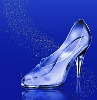 As the footman bring the slipper to Cinderella, what happens ?