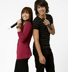 Does Joe Jonas Want to kiss Demi Lovato for Camp Rock 2
