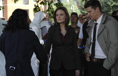 """in episode 1 in season 4 - wexler and is partner are """"argue"""" what booth say to bones?"""