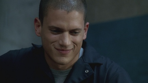 PRISON BREAK - Complete this dialogue: Sara: Oh, Michael, we all know nice girls finish last. Michael: So where do آپ finish?