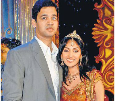 what is the name of aishwarya's brother?
