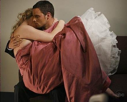 true/false alex and izzie got married in the 100th episode?