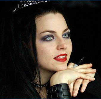 Amy Lee took classical kinanda lessons for how many years ?