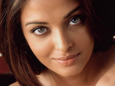 True or False:The government of the Netherlands honoured her by naming a tulip 'Aishwarya Rai' after her?