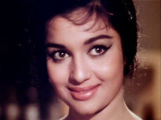 In which year did Asha Parekh win the Filmfare lifetime achievement award?