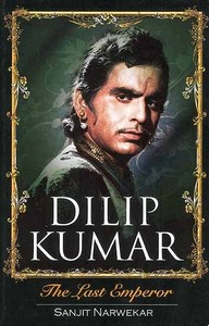 In which year did Dilip Kumar win the Filmfare lifetime achievement award?