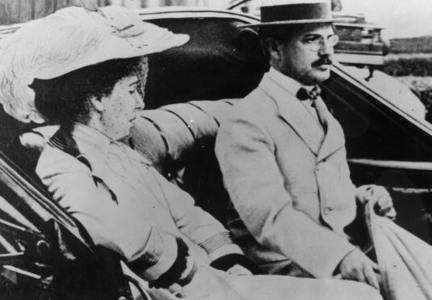 What wealthy American died on the Titanic while his mistress, Madame Aubart, survived?