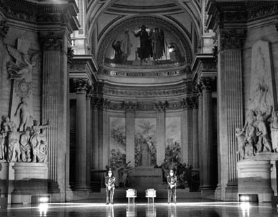 The Panthéon is the final resting place for which famous married couple?