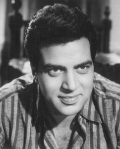In which Year Did Dharmendra Win the Filfare Lifetime Achievement Award?