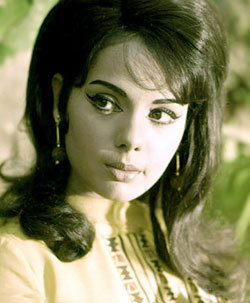 In which year did Mumtaz win the Filmfare lifetime achievement award?
