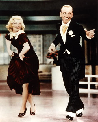 TRUE ou FALSE? Famous dancing team Fred Astaire and Ginger Rogers are buried in the same cemetery?