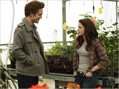 Does Edward ever call Bella da her full name, Isabella?