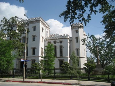 What is the name of this Louisiana castle?