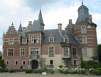 What is the name of this Dutch castle?