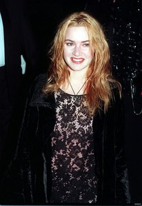 what size clothing does kate winslet wear