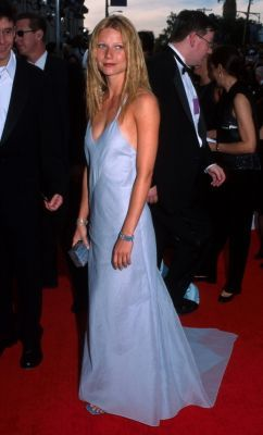 To which 2000 awards ceremony did Gwyneth wear this dress?