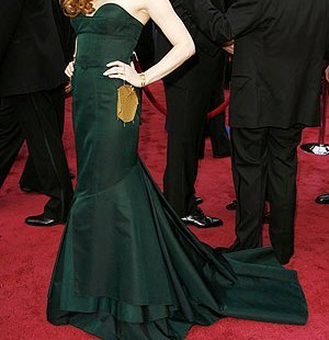FASHIONS: Which young starlet strutted her stuff at the Oscars in this green dress?