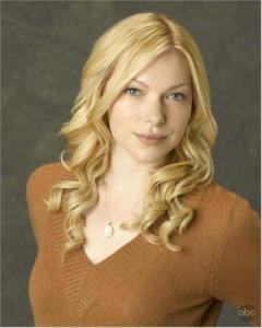 Laura Prepon plays Ted's ex girlfriend ____?