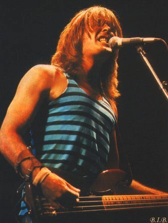 Which year got Cliff Williams the job as bass player in ACϟDC?