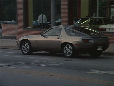 In which movie can we see this 1979 Porsche 928 ?