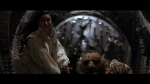 What is the name of the contraption that chases Sarah and Hoggle down the corridor in the Oubliette?