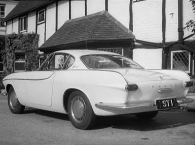 In which TV show can we see this 1962 Volvo P1800 ?