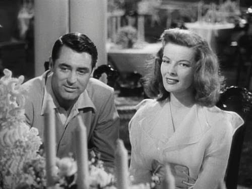 In 'The Philadelphia Story,' what memento does Dexter give to Tracy?