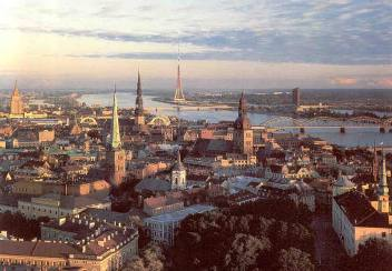 PASSPORT FUN: While traveling in Europe, 당신 end up in the picturesque town of Riga. What country are 당신 in?