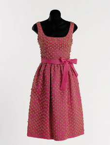 Fashion In Films - This Hot rosa, -de-rosa coquetel Dress Is Worn por Which Actress?