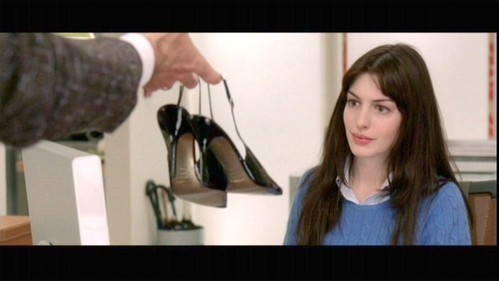 What is her character's, Andy, shoe size in The Devil Wears Prada?