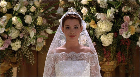 Does her character Mia get married in Princess Diaries 2: Royal Engagement?