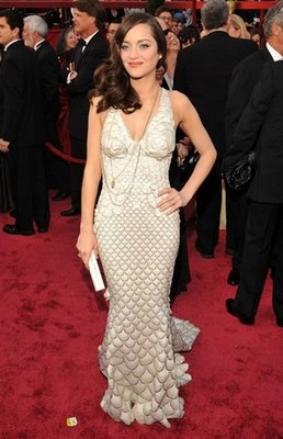 Who designed the dress she wore to the Academy Awards in 2008? (where she won best actress)