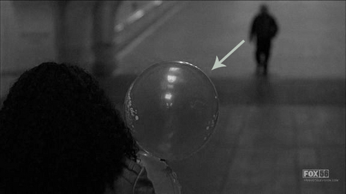 What is the colour of the balloon? (Bad Dreams)